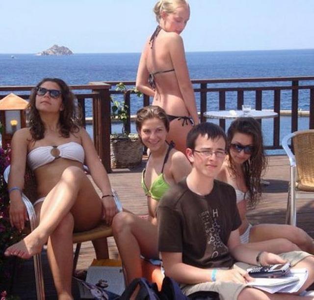 broj-math-bikini-girls